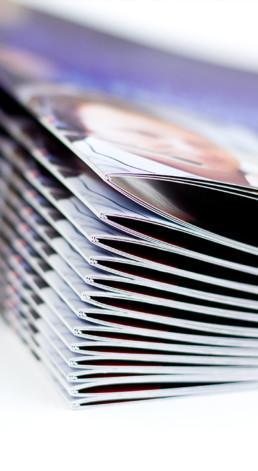 Ein Stapel Broschüren